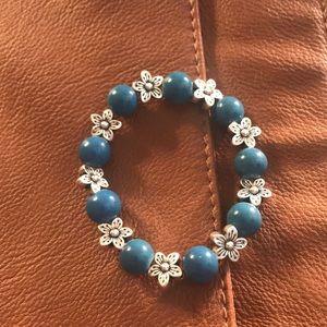 Jewelry - beaded flower stretch bracelet